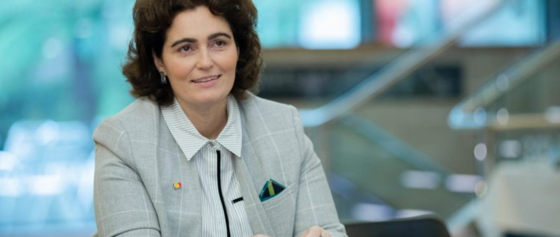 """Legea inițiată de senatorul Iulia Scântei, adoptată ieri: """"Supraviețuitorii Colectiv vor beneficia de tratament decontat de MS pe toată durata vieții"""""""