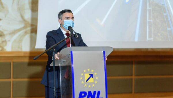 Mihai Chirica: Partidul Social Democrat a plecat de la putere pentru că, știind de pandemia care se apropia, n-a vrut să se compromită politic. A venit momentul renașterii României!
